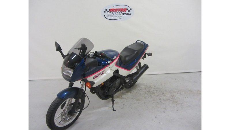 Kawasaki GPZ500S full