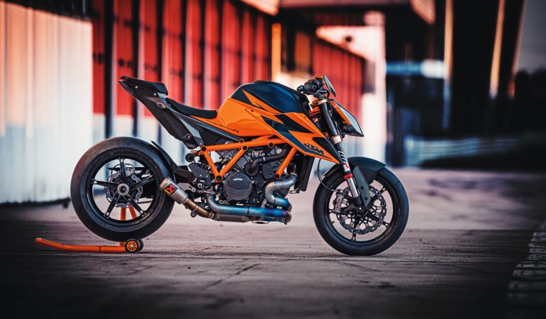 KTM 1290 Super Duke R full